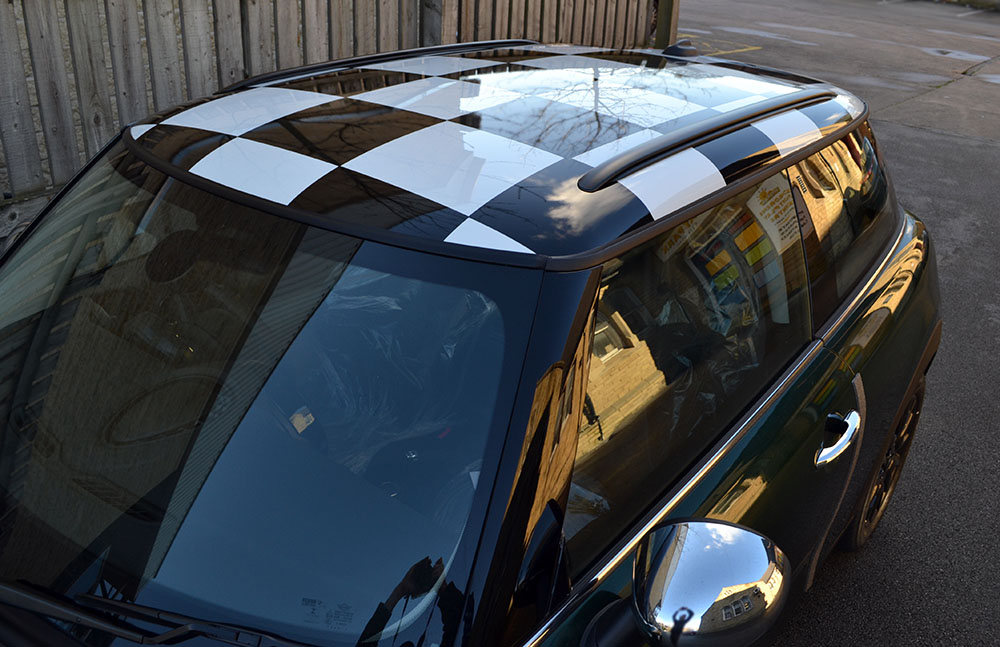 Mini Cooper Chequered Roof Front