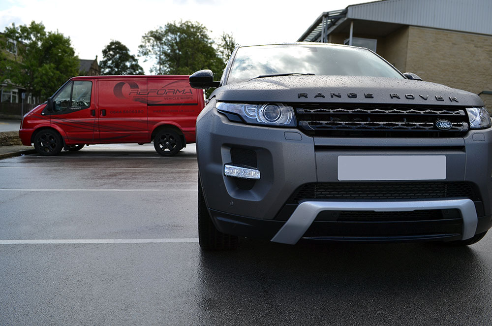 Matte Grey Metallic Range Rover Evoque Reforma Uk