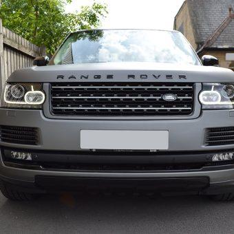 Range Rover Vogue Matte Grey Front Straight