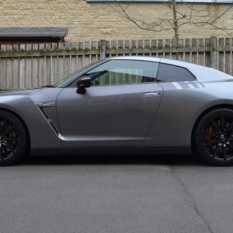Nissan GT R Graphics Carbon Side