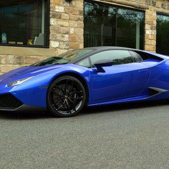 Lamborghini Huracan 3M Cosmic Blue Wall