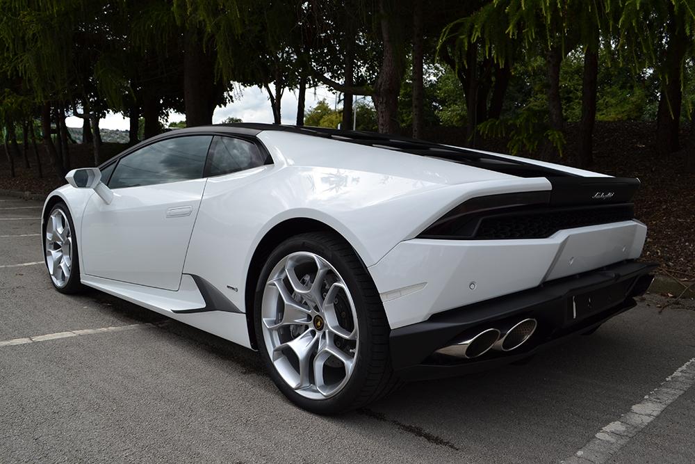 Lamborghini Huracan - Matte Black Roof & Detailing