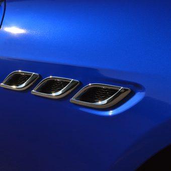 Maserati Quattroporte Wrapped 3M Cosmic Blue Trim