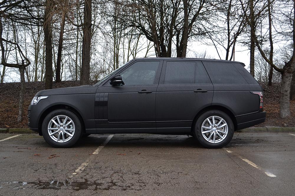 matte black range rover vogue reforma uk. Black Bedroom Furniture Sets. Home Design Ideas