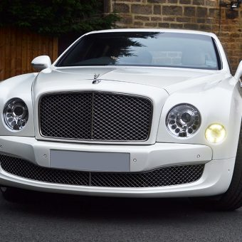 Bentley Mulsanne Wrapped Pearl White Front