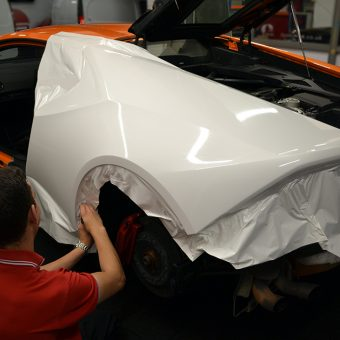Lambo Huracan 3M Gloss White Wrap Rear During