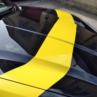 ferrari california bonnet stripe closeup