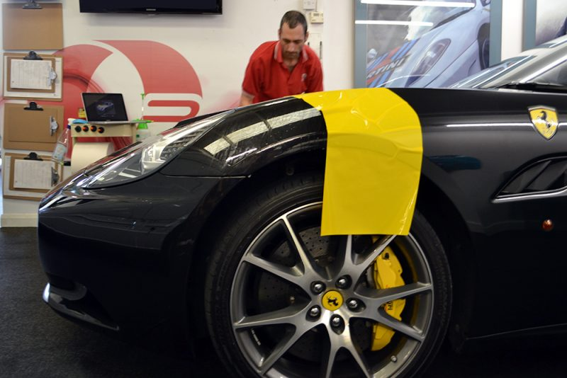 ferrari california graphic fitting
