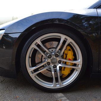 audi r8 yellow brake calipers