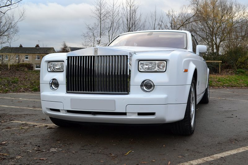 Rolls Royce Phantom Gloss White Wrap Front