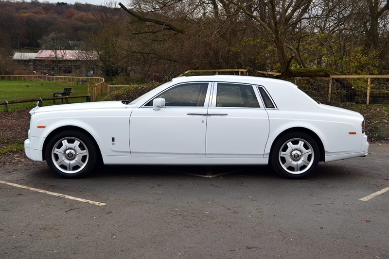 Rolls Royce Phantom Gloss White Wrap Side
