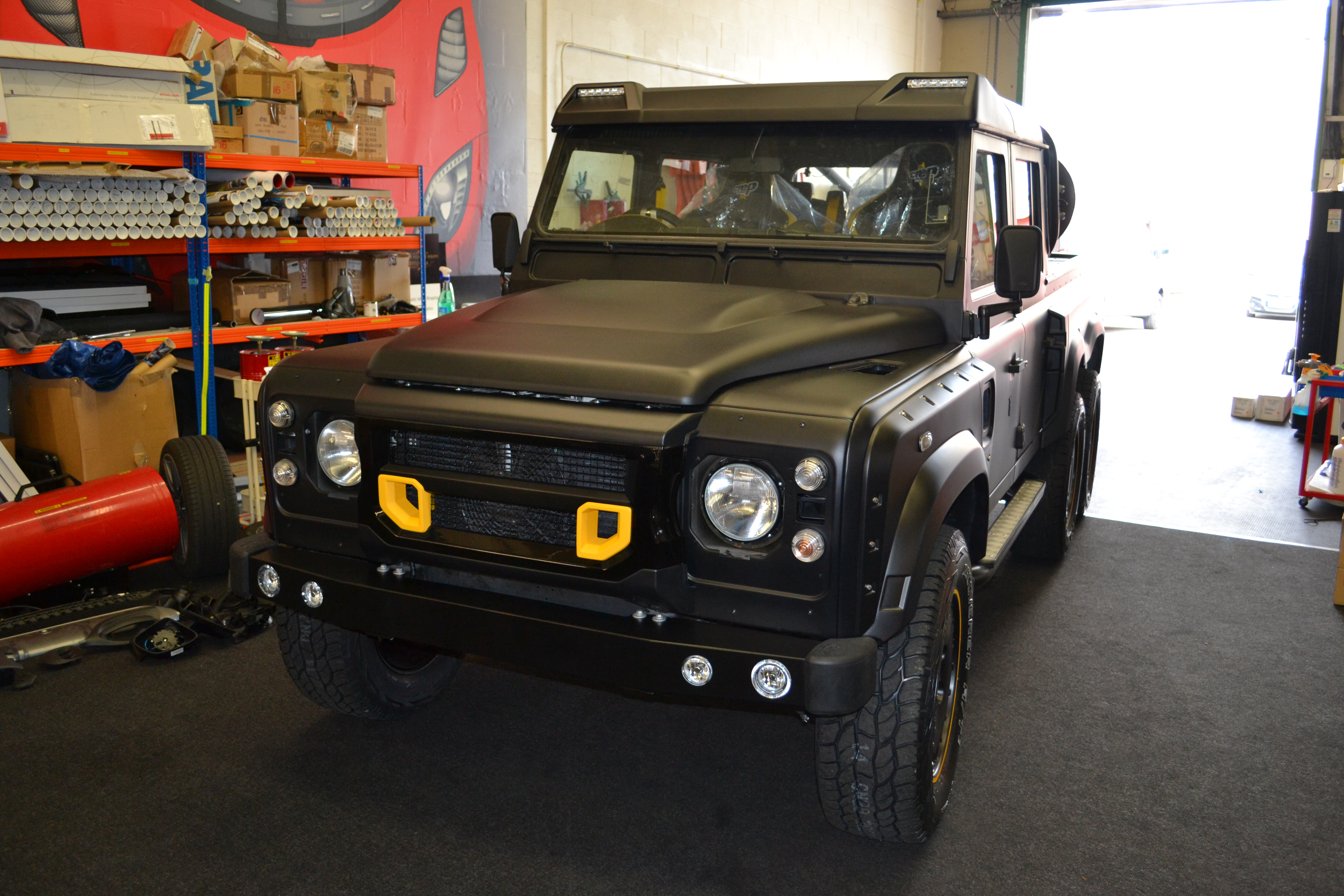 Land Rover Defender 6x6 Custom Graphics Reforma Uk