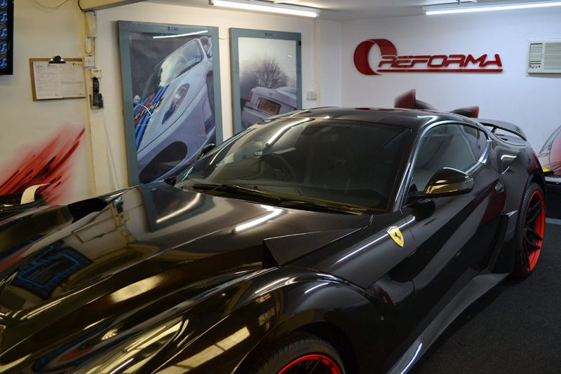 Ferrari F12 Wrap 3M 1080 Ember Black During Front