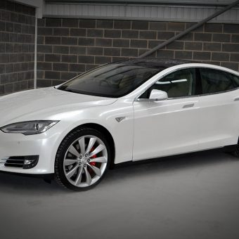 Tesla Model S Gloss Pearl Front