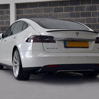 Tesla Model S Gloss Pearl Rear