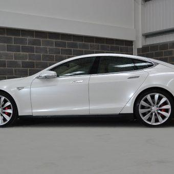 Tesla Model S Gloss Pearl Side
