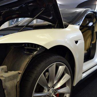 Tesla Model S Gloss Pearl Wrap Reforma Wrap Progress