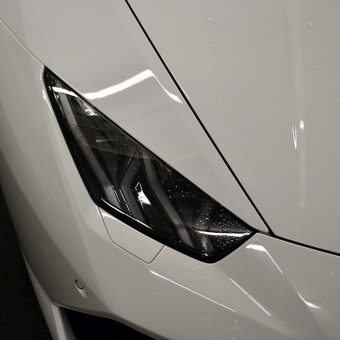 Lamborghini Huracan Wrapped Before White Headlight