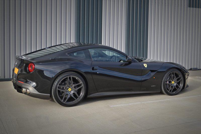 Kahn Ferrari F12 Satin Black Detailing Reforma