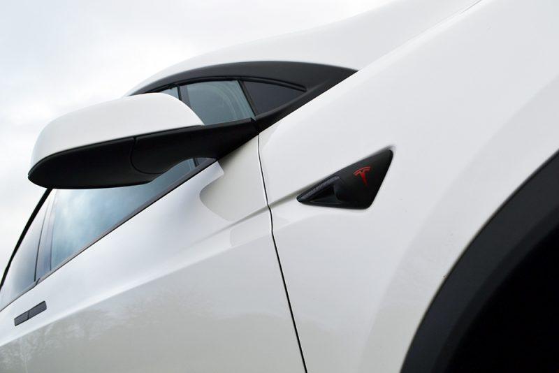 Tesla Model X Chrome Removal Wrap