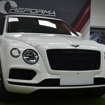 Bentley Bentayga Dechrome Reforma UK Front