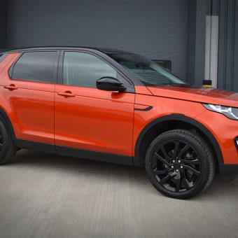 Land Rover Discovery Wrapped 3M 1080 Gloss Firey Orange Front